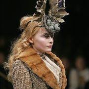 6._Birds_Nest_Headdress_made_with_Swarovski_Gemstones_by_Philip_Treacy_and_Shaun_Leane_for_Alexander_McQueen_AW_2006_jpg_180x180_crop_q85